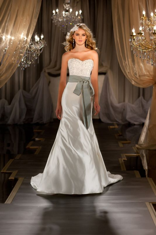 How to shop for a wedding dress ottawa wedding events blog for Wedding dress stores ottawa