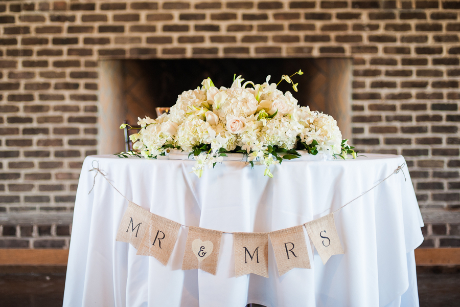 How to decorate a rustic wedding