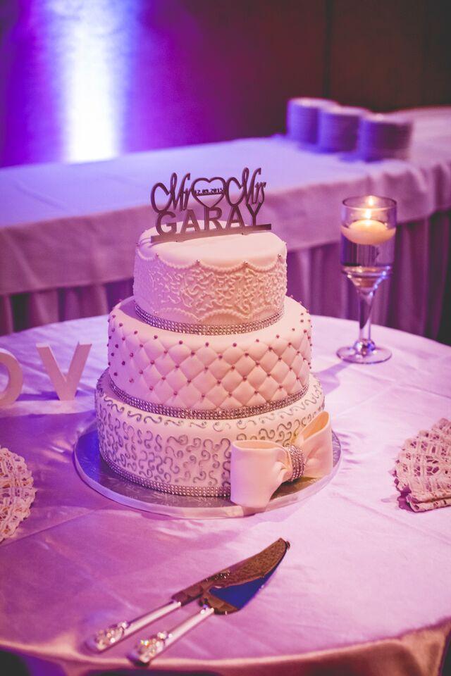 Ottawa wedding cakes Milos