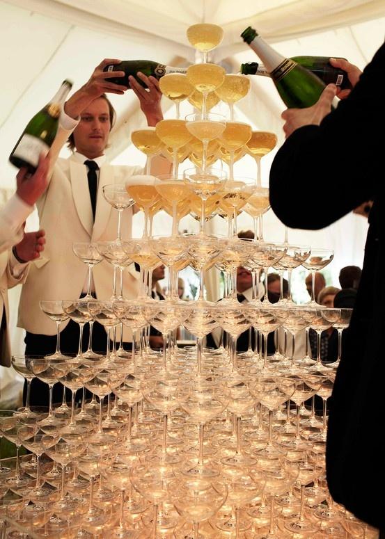 serve champagne